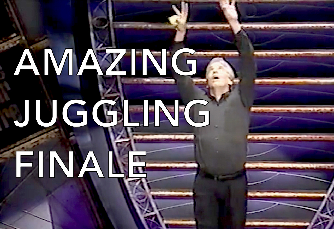<strong>AMAZING JUGGLING FINALE</strong>